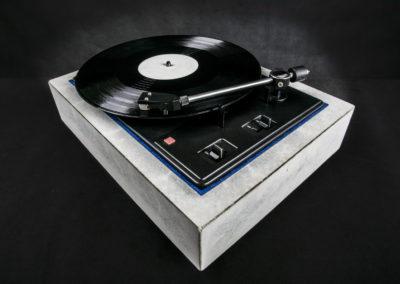 Betonový gramofón SMIKA DEsign designová produktová fotografie, fotograf praha Jakub Morávek --18